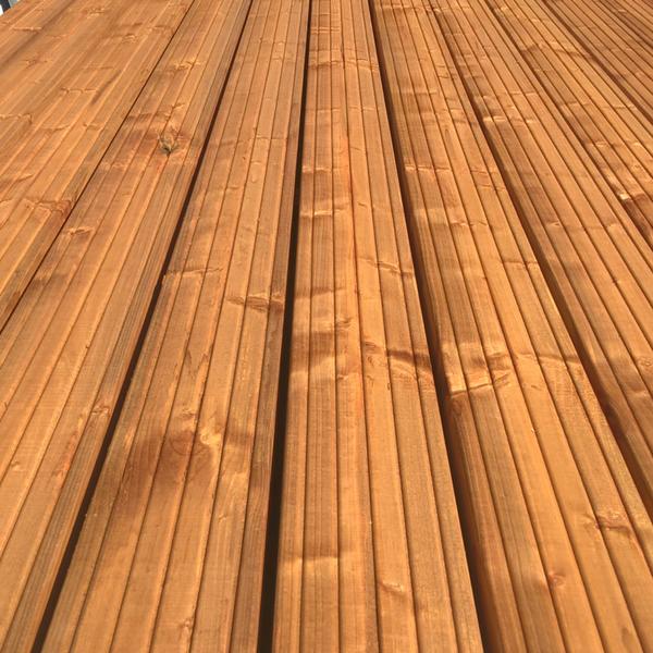 Terrassilaud 28x145mm pruun