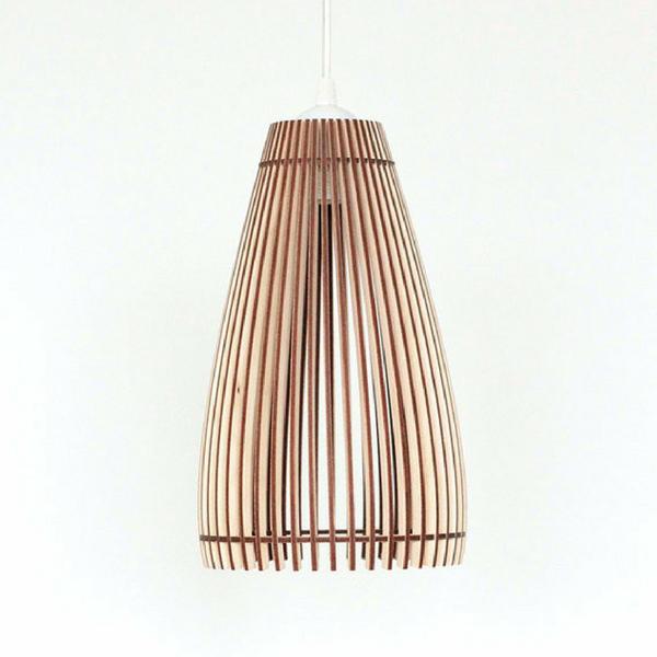 Omanäoline puidust lamp