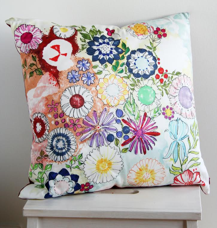 Diivanipadi digiprint lillemuster värviline