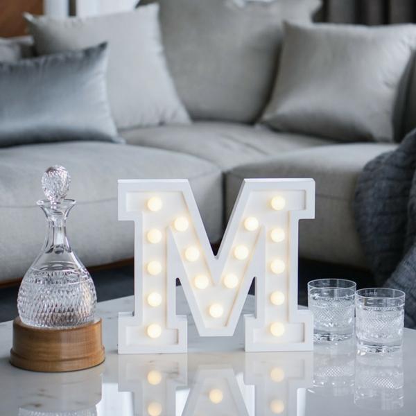 Puidust lamp täht M