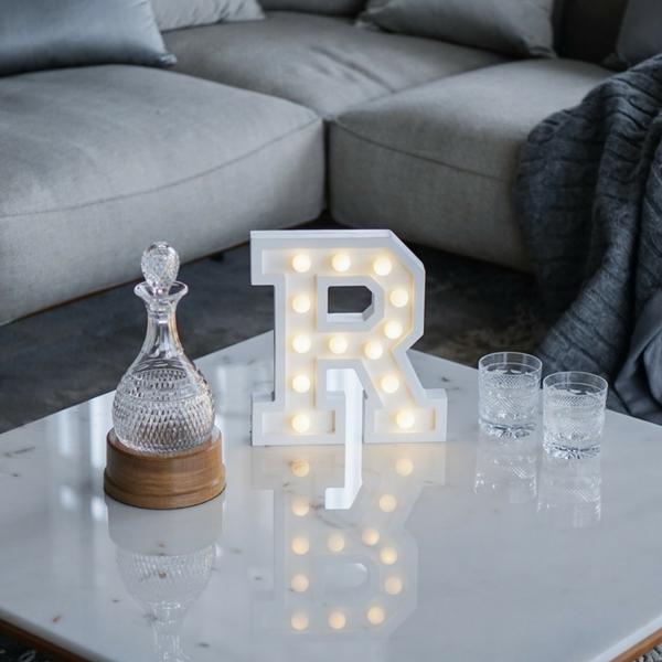 Puidust lamp täht R