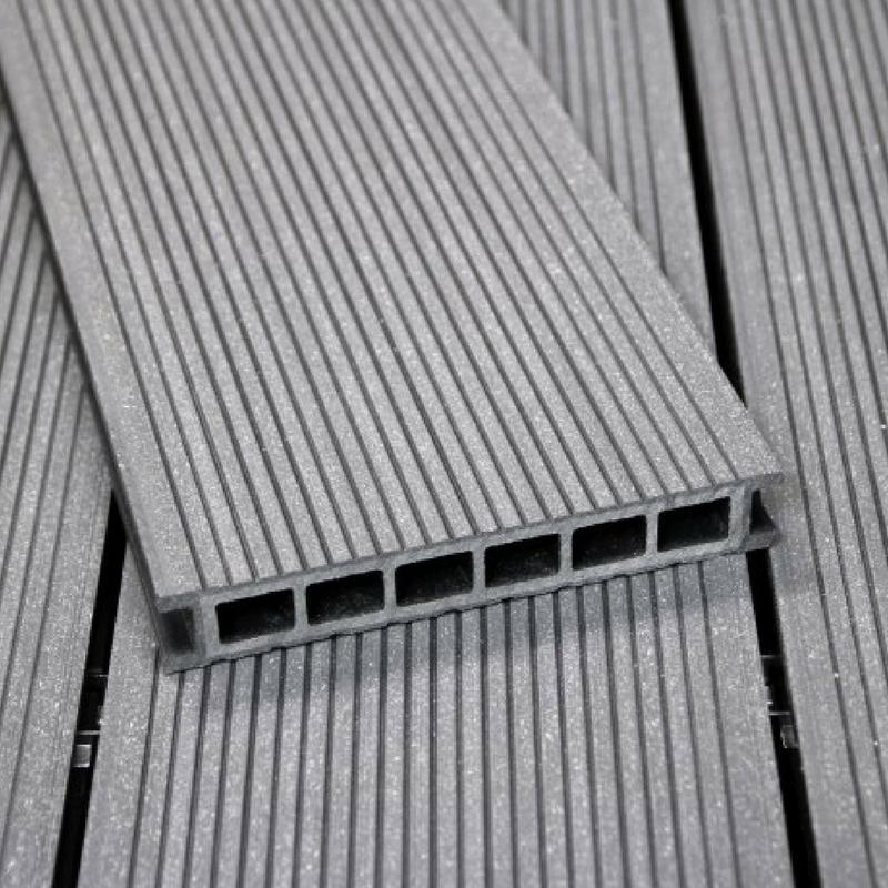 Terrassilauad plastikust